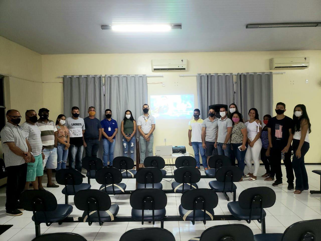 "SEBRAE  dá palestra sobre A Marketing Digital"" com Daniel Santana."