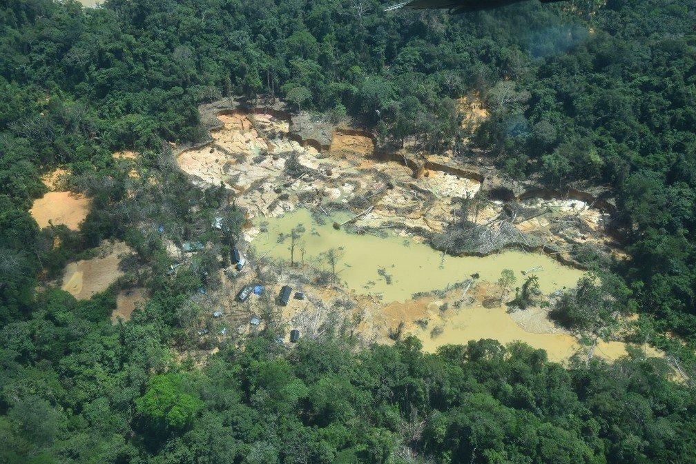 Garimpeiros atiram contra equipe da PF que apurava ataque a Yanomami